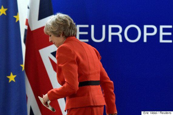 국민투표까지 한 브렉시트가 아예 엎어질 수도 있게 되자 영국이 난리가