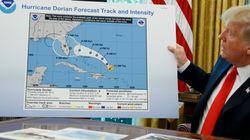 Trump exhibe un mapa manipulado de la trayectoria del huracán