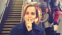 엠마 왓슨이 런던 지하철역에 책을 숨기고