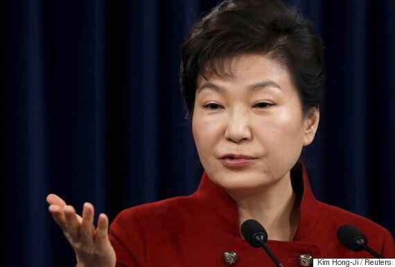 검찰 조사 임박한 박근혜 대통령 변호인으로 '전관 변호사'들이 거론되고