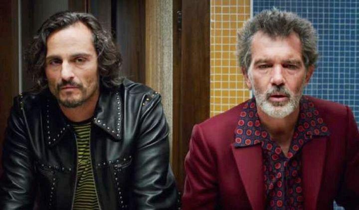 Asier Etxeandia y Antonio Banderas en 'Dolor y gloria'.