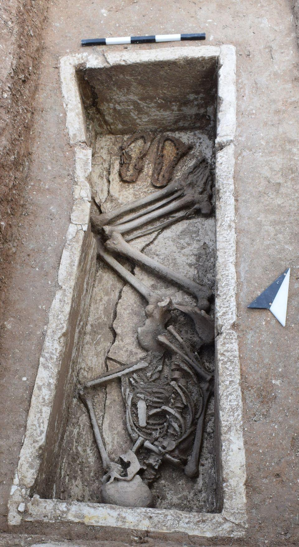 Αρχαία Σικυώνα: Ο εντοπισμός της αρχαϊκής πόλης και η ταφή με τα σανδάλια του