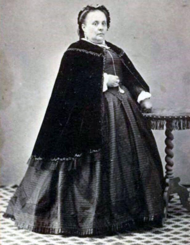 Resultado de imagen de aMALIA lÓPEZ
