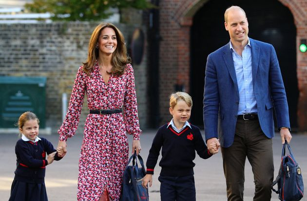 Los divertidos gestos del príncipe Jorge y su hermana Carlota en la vuelta al