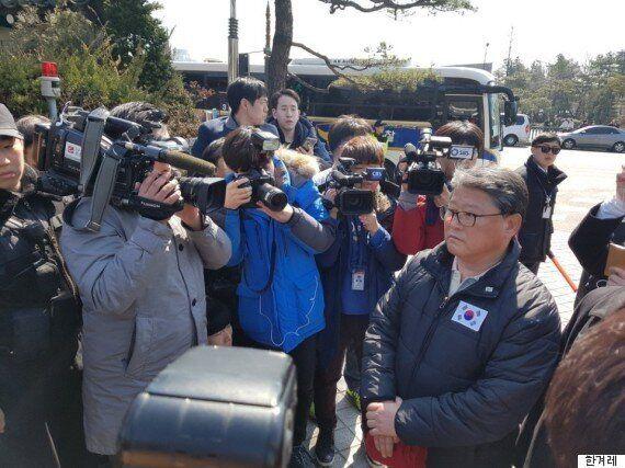 조원진, 청와대 찾았지만...박 전 대통령 못 만나고 발길