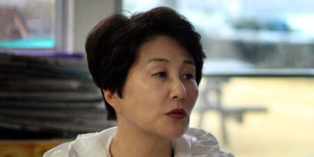 2012년 3월 당시 전여옥 국민생각 최고위원이 서귀포 강정마을을 찾아 해군기지에 대해 주민과 이야기를 나누고