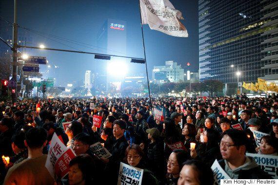 경찰이 주말 촛불집회 참가인원을 직접 세어보니 약 4만7600명이었다고