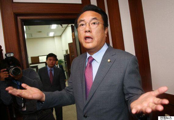 새누리당은 '야당이 박근혜 대통령 끌어내리고 대한민국을 아노미 상태로 만들려고 한다'며