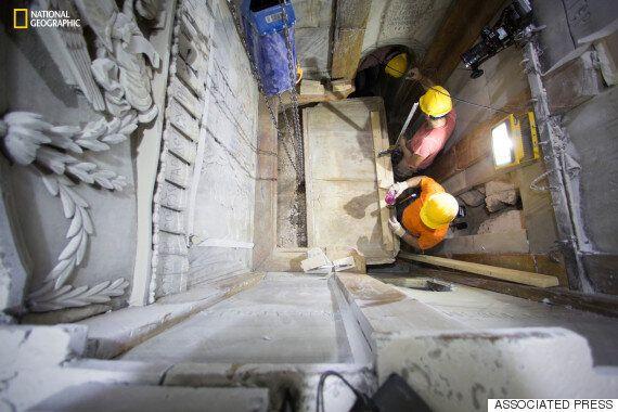 예수의 무덤 수백년만에 열렸다...복원 위해 60시간