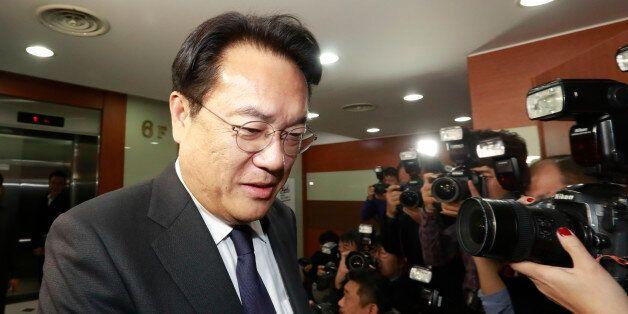 새누리당 정진석 원내대표가 30일 오후 서울 여의도 새누리당 당사에서 열린 긴급 최고위원회의에 참석하고