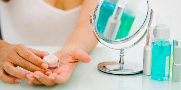 민감한 피부라면 피해야 할 화장품 성분