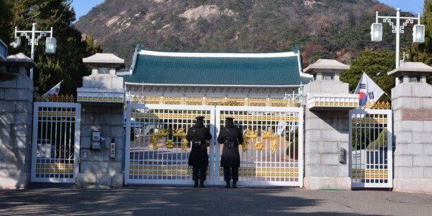 최순실씨가 전 남편과 낳은 아들이 박근혜 정부 청와대에 근무했다는 의혹이