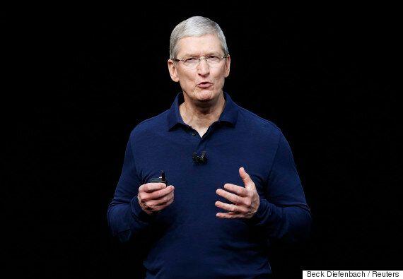 애플이 '멍청한' 시리를 보완하기 위해 머신러닝 전문가를