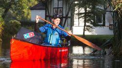 도미노피자가 피자 배달에 카누를 이용하는 곳이
