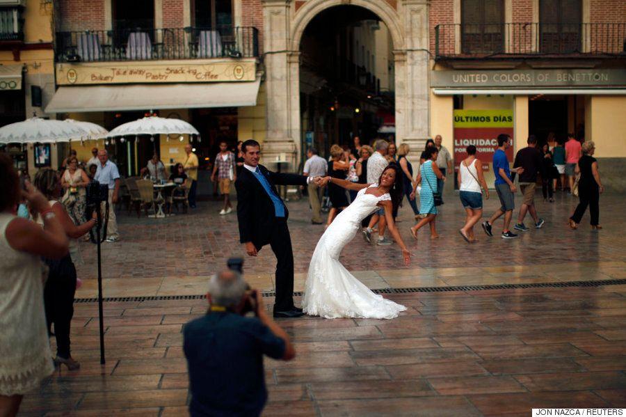 그리스에서 튀니지까지: 전세계 11개국의 결혼식 전통을