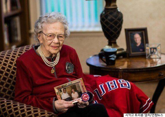 시카고 컵스의 108년 만의 우승을 기대하는 108세 할머니들이