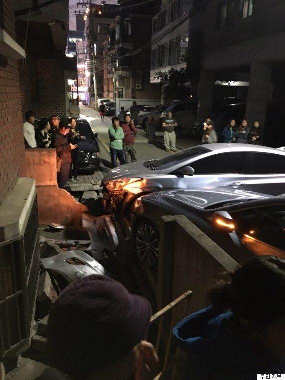 경찰이 논현동에서 콘크리트 벽돌로 차 유리를 깨고 거대 마약상을