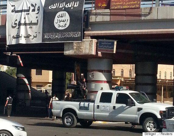 IS가 '모술 탈환작전'에 맞서 자살폭탄·지뢰로 격렬하게 저항하고