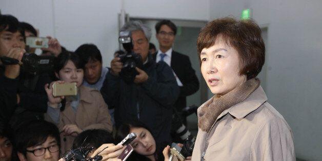 '최순실 딸 정유라 특혜' 의혹에 휩싸인 이화여대 최경희 총장이 전격
