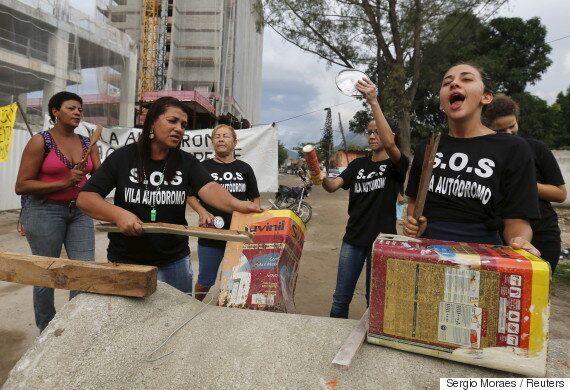 아무도 리우의 빈민들에게 올림픽에 대한 의견을 묻지 않았다. 그래서 그들은 더 크게