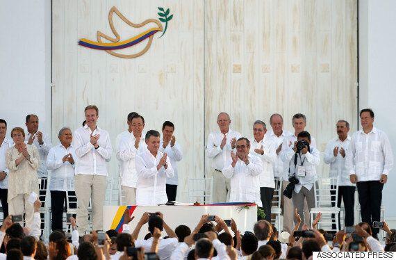 서명까지 마쳤던 콜롬비아 평화협정이 국민투표에서