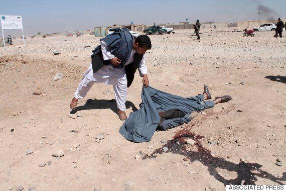 아프간 사원에서 총기 테러로 18명