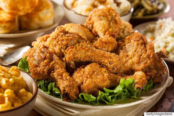 날씨가 화창한 날마다 당신은 치킨이 먹고 싶어질