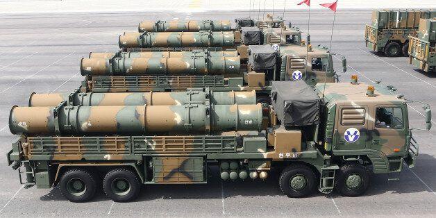 2013년 국군의 날 기념식에 공개된 육군의 지대지 탄도미사일 '현무