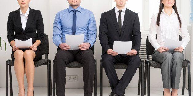 프랑스의 대졸자가 어이 없는 채용공고를 낸 회사들마다 입사거부서를 보냈다. 그 결과는 예상을 벗어나지
