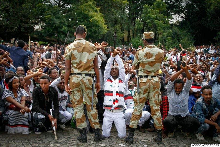 에티오피아의 축제가 반정부 시위로 번졌고, 55명이 진압으로 인해