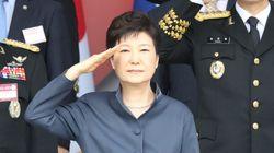 야권이 일제히 박근혜의 '탈북 권유' 기념사를