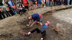 '아내 업고 달리기' 대회는 올해도 역시 험난했다 (사진,