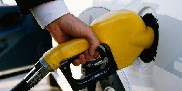 OPEC이 원유 생산량 감축에 합의했고 국제유가가