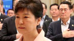 박 대통령이 헌정사상 처음으로 해임건의안을 거부하면서 헌법에 없는 이유를