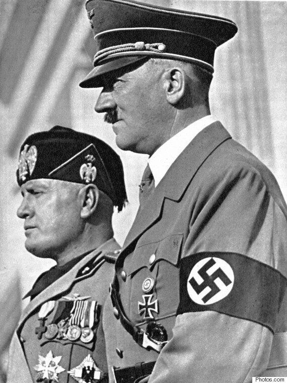 히틀러 복장을 한 학생을 '베스트 드레서'로 선발한 학교가