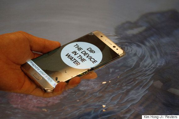 한국 언론들이 삼성전자 갤럭시노트7 폭발 사태를 변호하는
