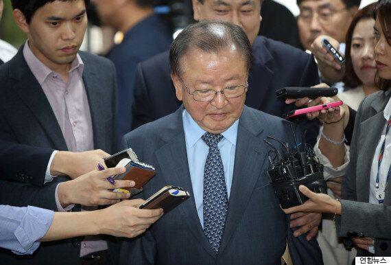 '억대 뇌물' 강만수 구속영장