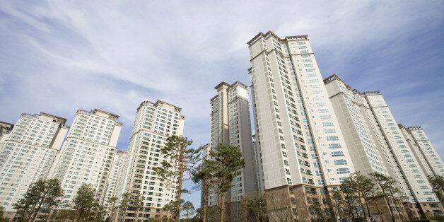 서울 아파트값을 정신없이 밀어 올리고 있는