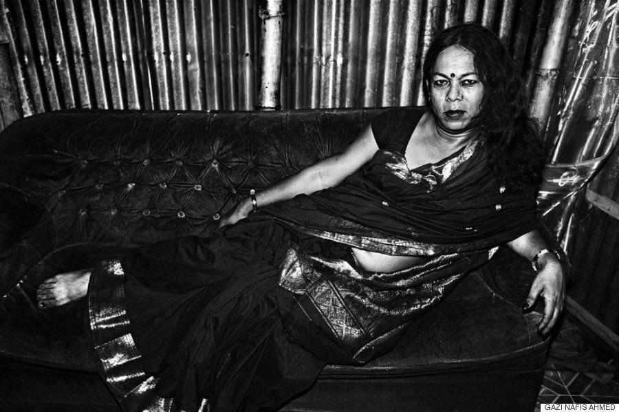 방글라데시의 젊은 퀴어를 담은 흑백