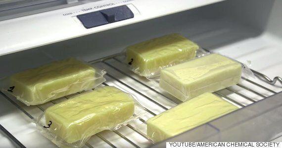 우유로 만든 이 음식 포장지는 지구와 당신의 아침 씨리얼을 구할