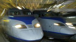 선로보수 노동자 4명이 지연 운행된 KTX 열차에