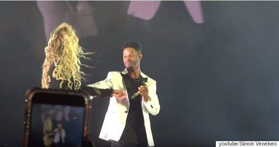 비욘세가 '싱글 레이디'를 부르다가 갑자기 노래를 멈췄다. 이날 공연의 가장 감동적인