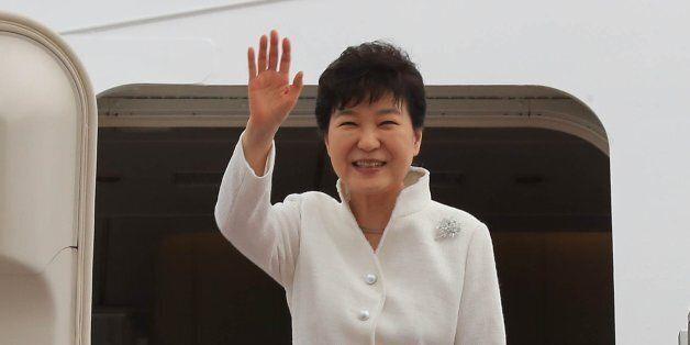 박근혜 대통령이 '부적격' 받은 장관 후보자를 '전자결재'로 공식