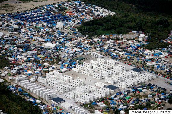 프랑스가 7천여 명이 사는 칼레 난민촌을 4m 장벽으로
