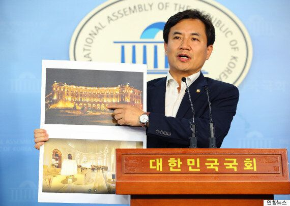 김진태 새누리 의원은 송희영 조선일보 주필이 받은 접대가 '배임수재죄'라고