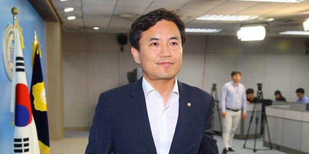 '조선일보' 주필 접대 폭로한 김진태는