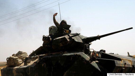 터키가 IS...가 아니라 쿠르드족을 거침없이 공격하고
