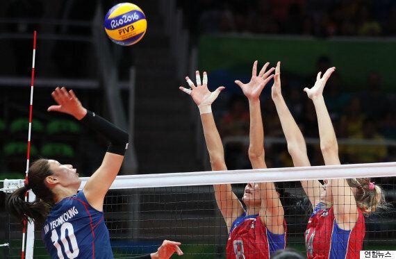 여자배구 대표팀은 러시아에 패했지만, 엄청난 접전을