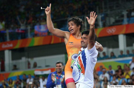 편견을 딛고, 사크시 말리크가 올림픽 메달을 딴 첫 인도 여성 레슬러가