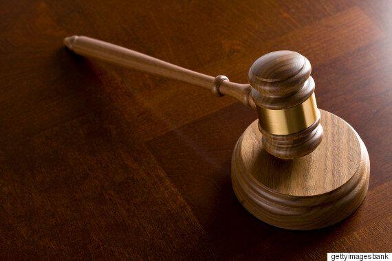 법원이 한국 부부들의 입양 신청을 잇따라 거부한